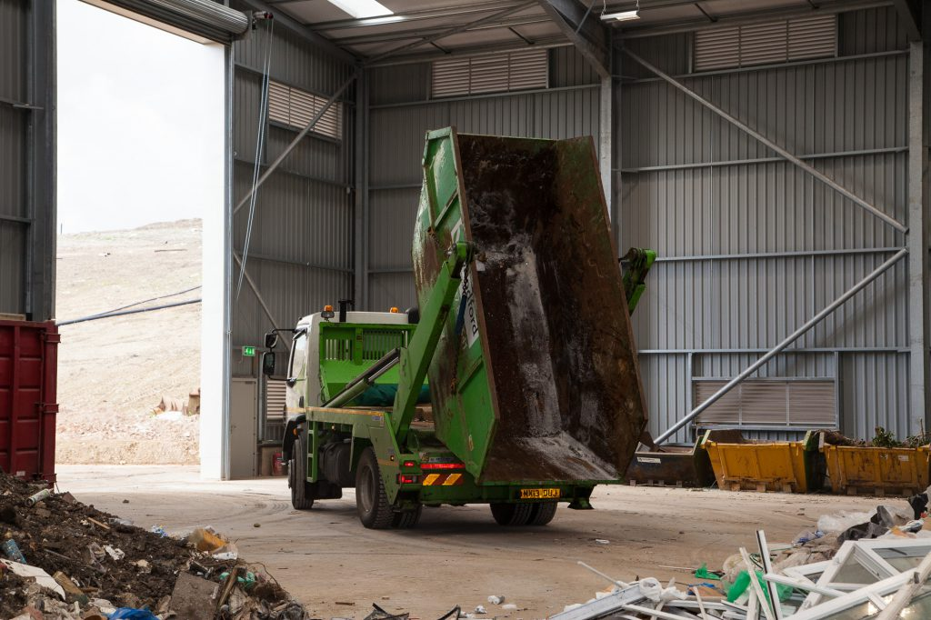woodford-recycling-skip-hire-unloading-3