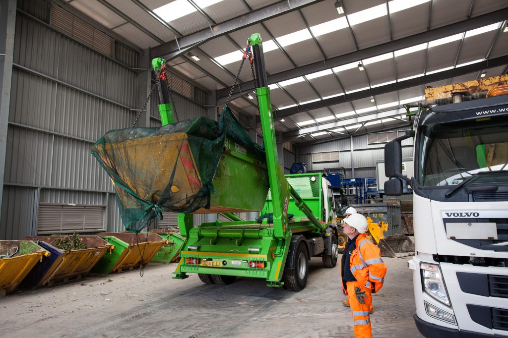 woodford-recycling-skip-hire-unloading