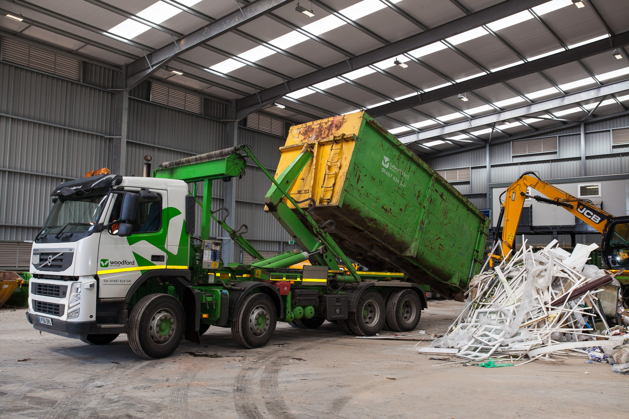 woodford-recycling-roll-on-roll-off-skip-RORO-container-vehicle